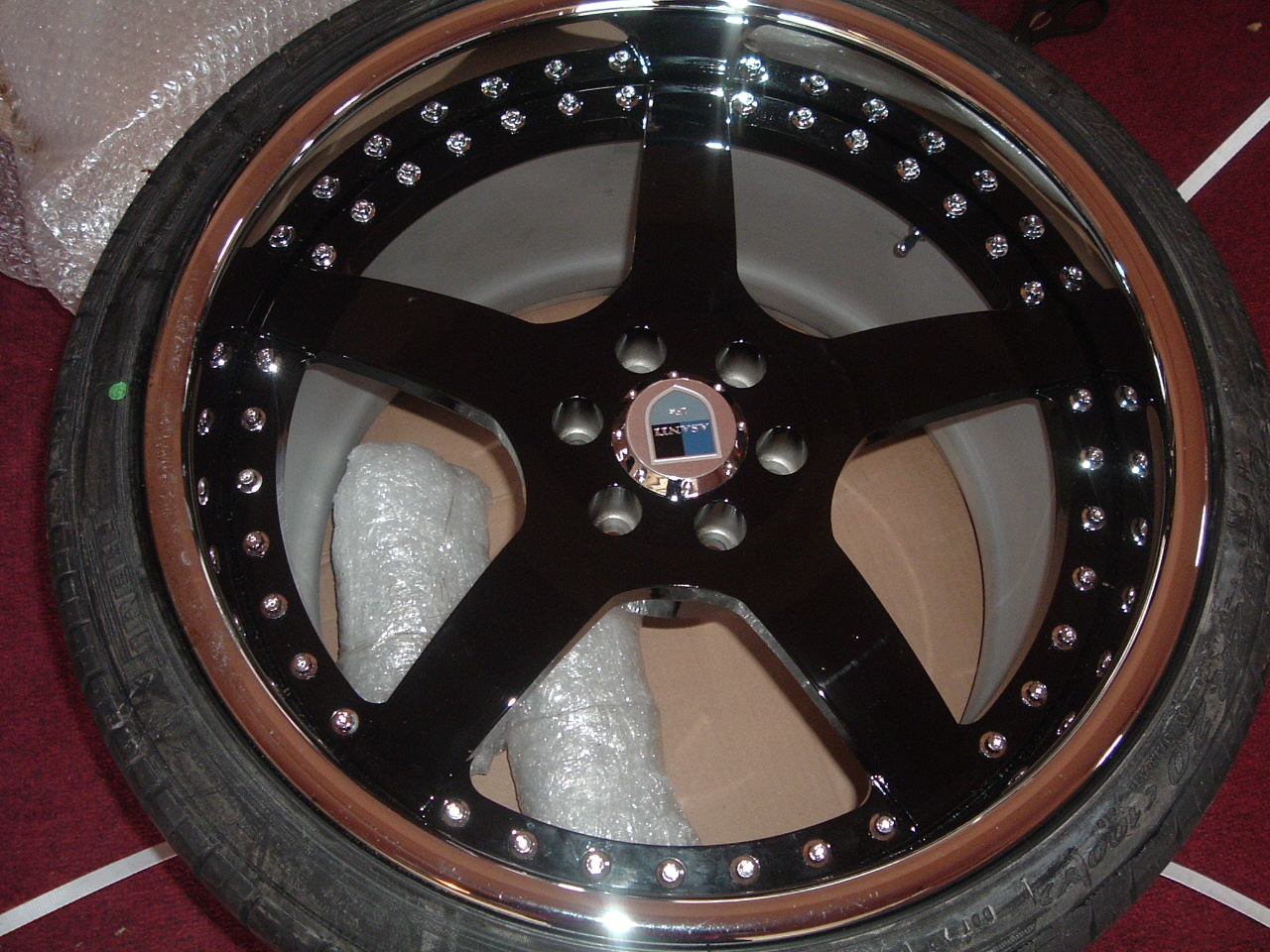 Click image for larger version  Name:556192-New_Viper_Wheels_001.jpg Views:241 Size:458.3 KB ID:10886