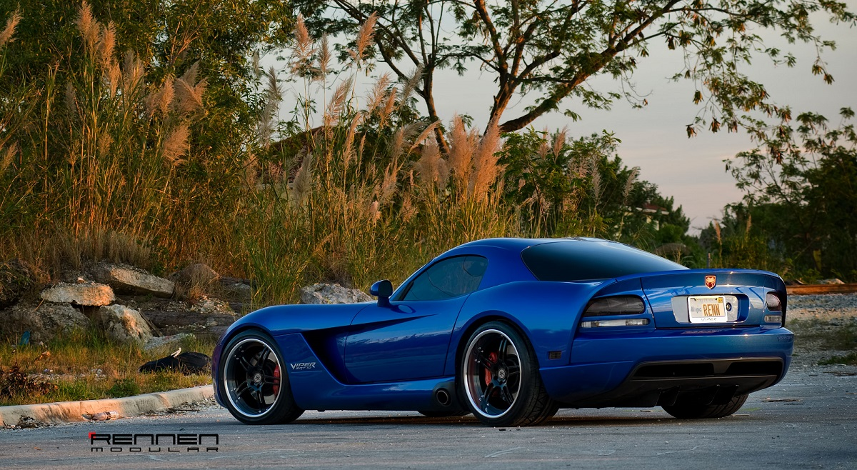 Click image for larger version  Name:Dodge VIPER - Rennen RM5 Concave (2).jpg Views:45 Size:429.9 KB ID:147465